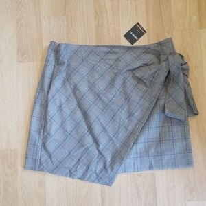 Forever 21 Skirts - Forever 21+ grey and Ivory plaid skirt 2x